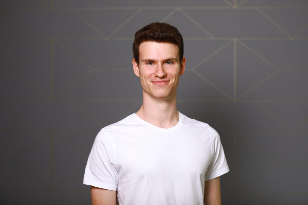 Jeremy Dräger ist Auszubildender Physiotherapeut in der Physiotherapie Blau in Potsdam
