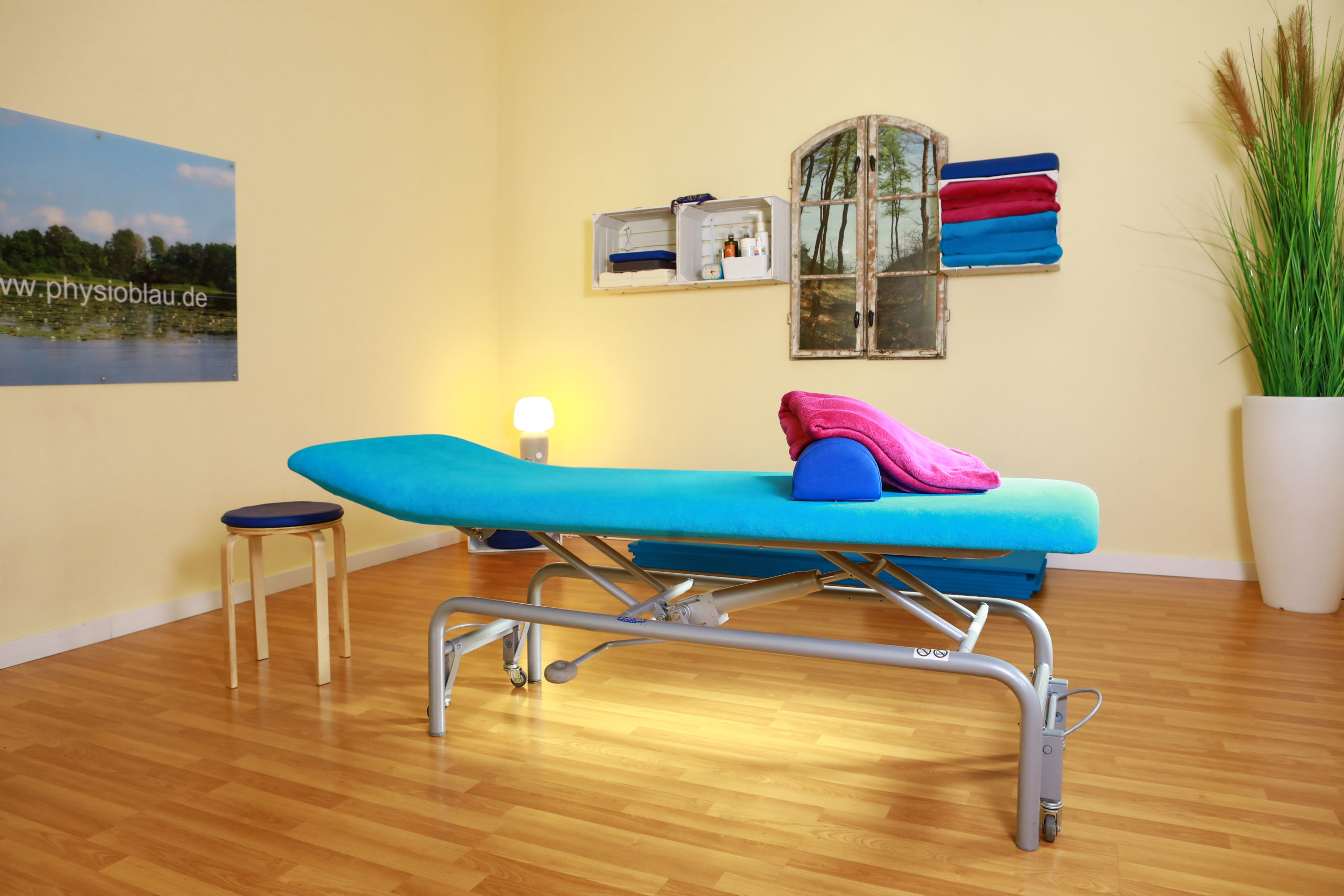 Therapieraum in unserer Physiotherapie Blau in Potsdam