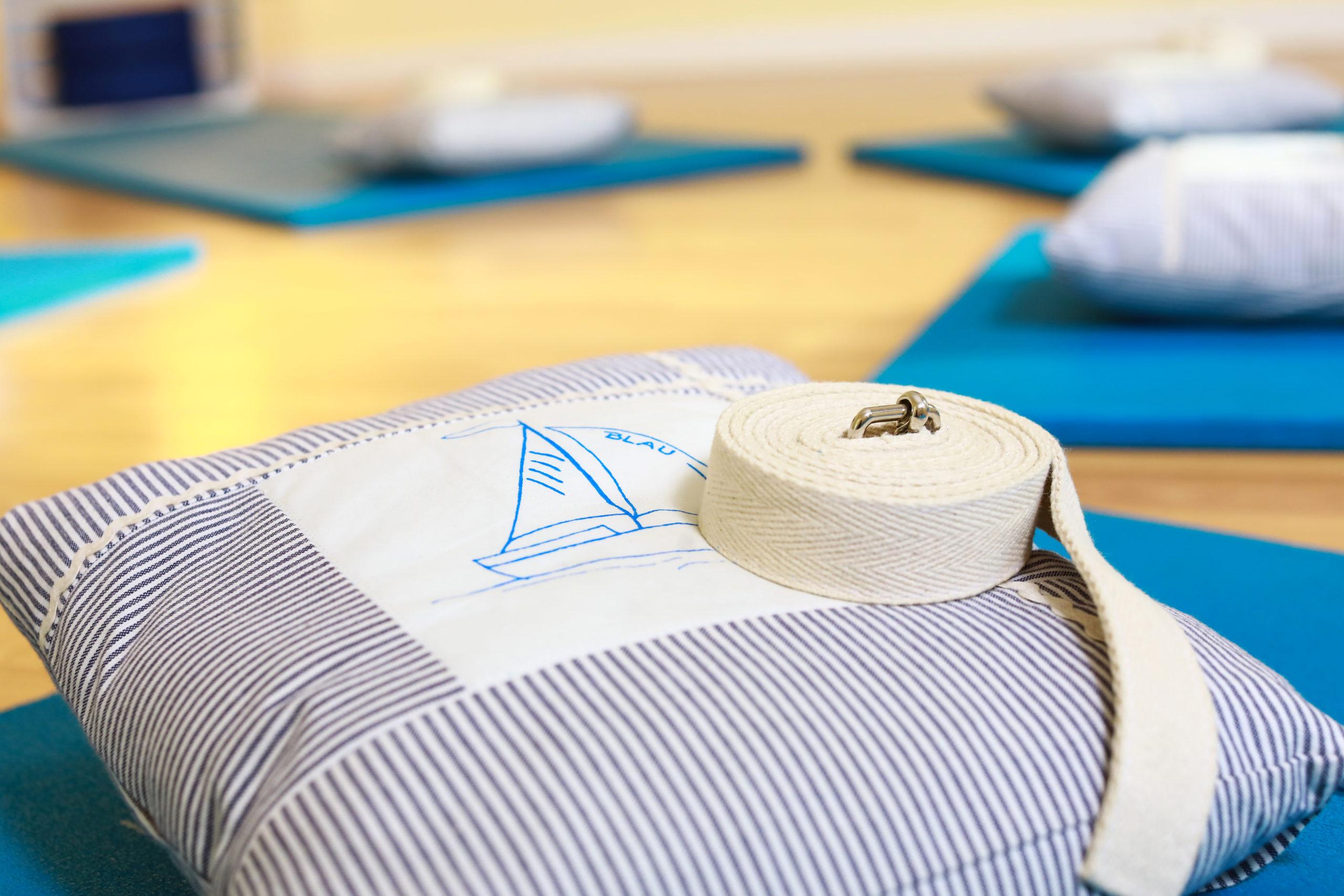 Yogakurse in der Physiopraxis Blau